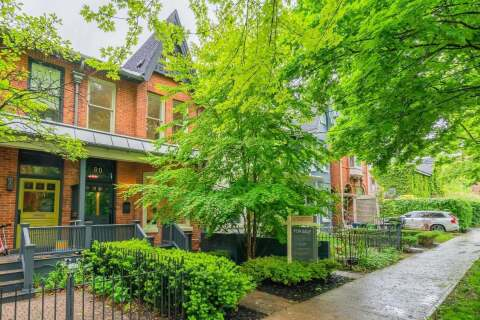 Townhouse for sale at 80 Willcocks St Toronto Ontario - MLS: C4773617