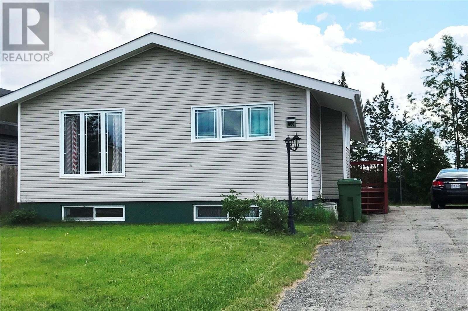 House for sale at 800 Balsam Cres Labrador City Newfoundland - MLS: 1212162