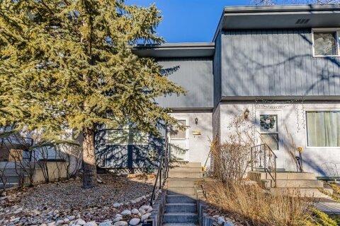 Townhouse for sale at 800 Bowcroft Pl Cochrane Alberta - MLS: A1052844