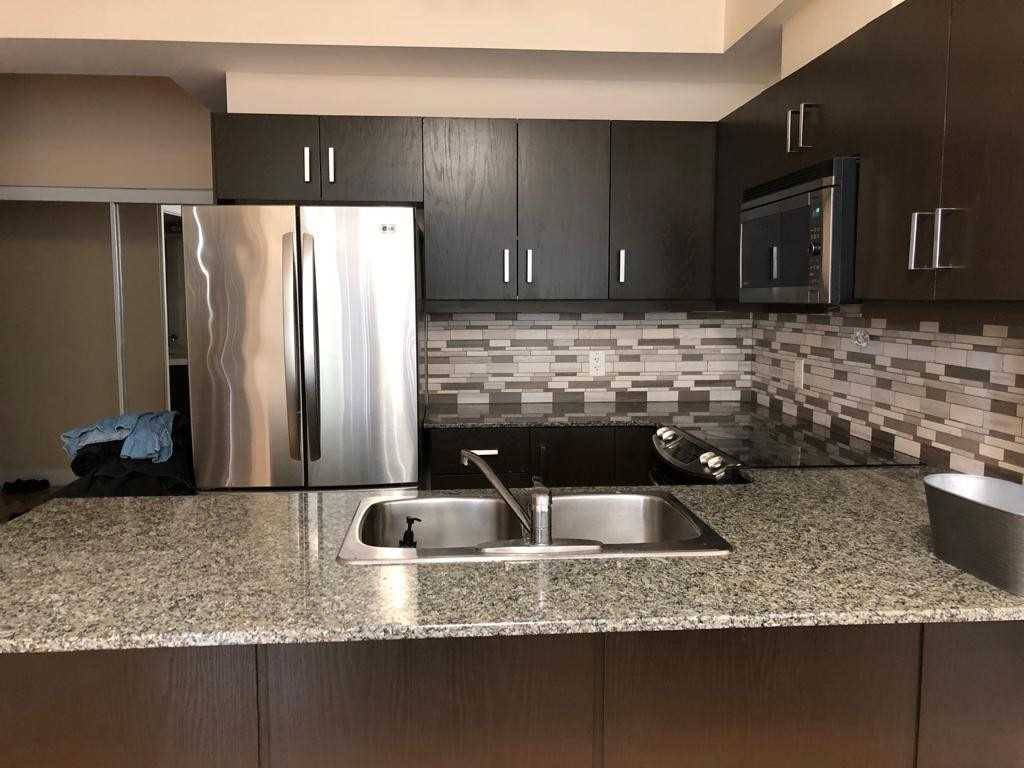 Apartment for rent at 3504 Hurontario St Unit 801 Mississauga Ontario - MLS: W4525485