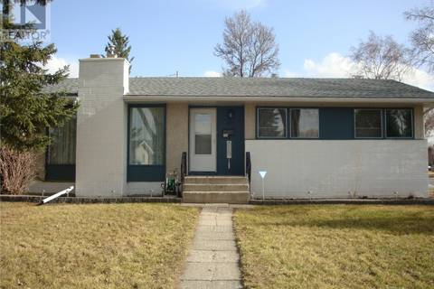 House for sale at 801 Shannon Rd Regina Saskatchewan - MLS: SK806670