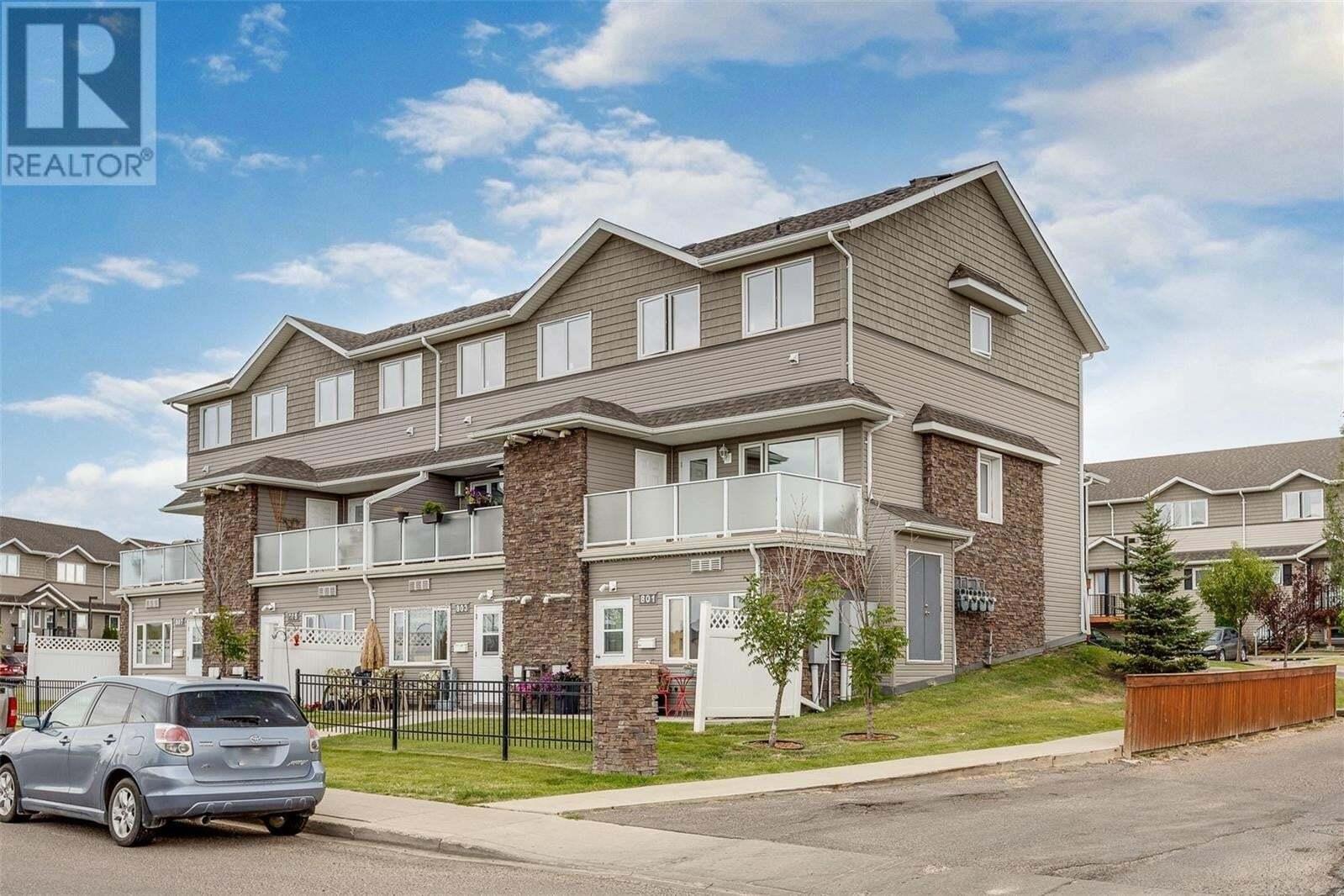 Townhouse for sale at 1022 Hampton Cir Unit 802 Saskatoon Saskatchewan - MLS: SK824267
