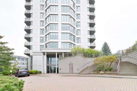 Condo for sale at 13880 101 Ave Unit 802 Surrey British Columbia - MLS: R2530348