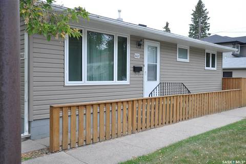 House for sale at 802 31st St W Saskatoon Saskatchewan - MLS: SK786145