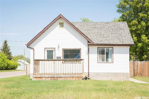 House for sale at 802 5th St E Prince Albert Saskatchewan - MLS: SK793645