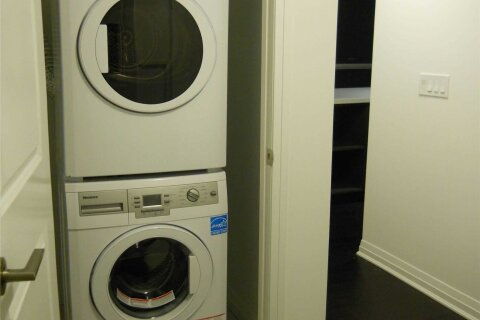 Apartment for rent at 8 Mercer St Unit 802 Toronto Ontario - MLS: C4972435