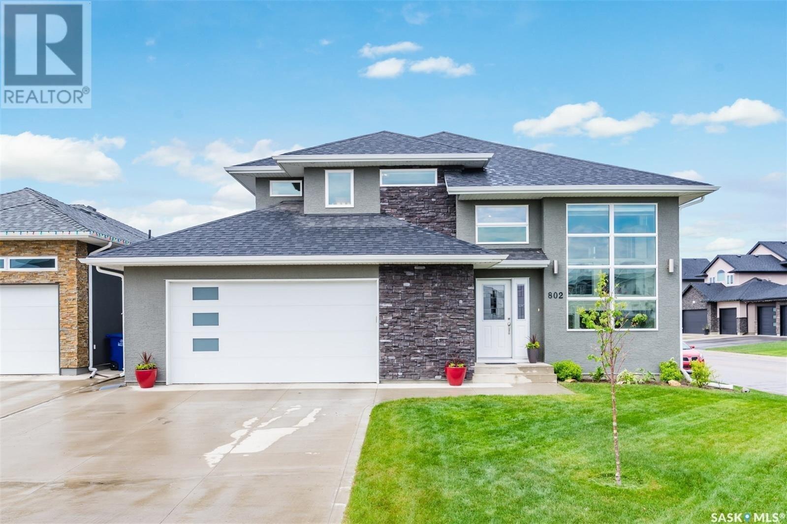House for sale at 802 Salloum Cres Saskatoon Saskatchewan - MLS: SK838852