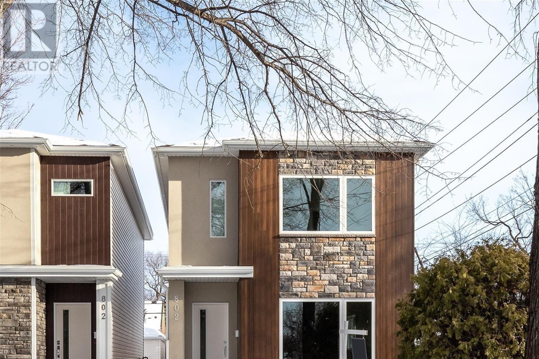 House for sale at 802 6th Ave N Saskatoon Saskatchewan - MLS: SK838658