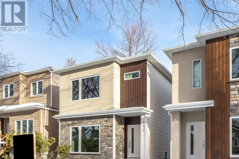 House for sale at 802 6th Ave N Saskatoon Saskatchewan - MLS: SK838662