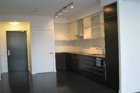 Apartment for rent at 770 Bay St Unit 803 Toronto Ontario - MLS: C4519670
