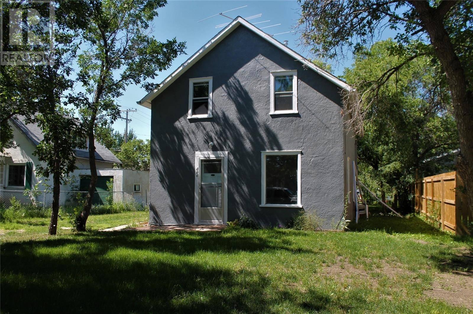 House for sale at 803 George St E Rosetown Saskatchewan - MLS: SK778804