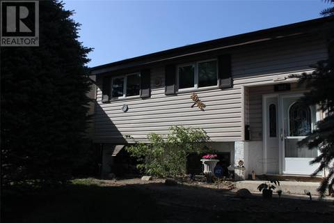 House for sale at 803 Seymour Cres N Regina Saskatchewan - MLS: SK804204
