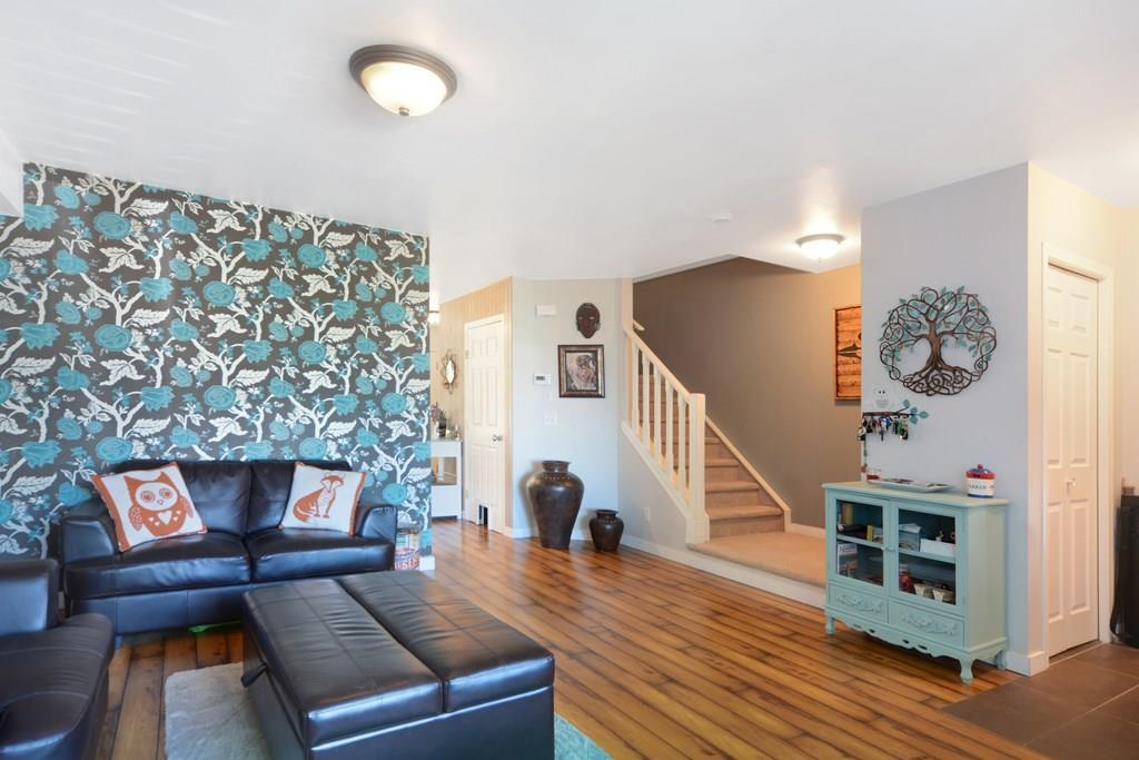 Removed: 8032 24 Street Southeast, Calgary, AB - Removed on 2018-10-19 05:15:27