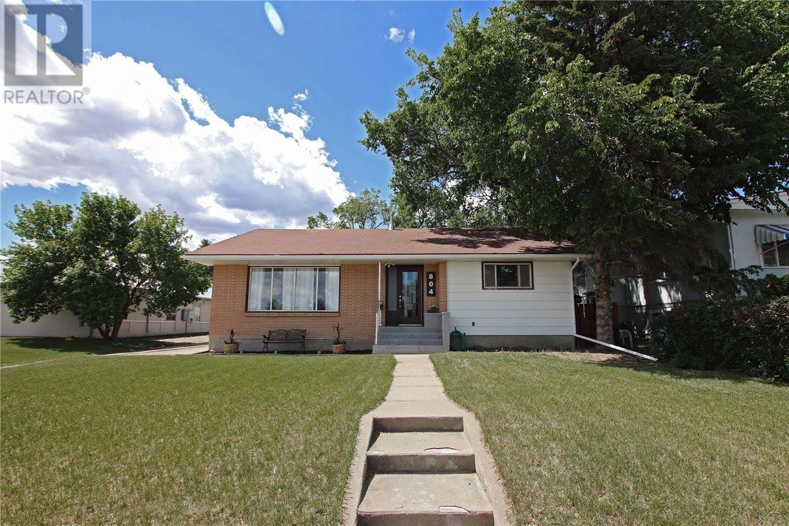 House for sale at 804 1st Ave NW Swift Current Saskatchewan - MLS: SK812868