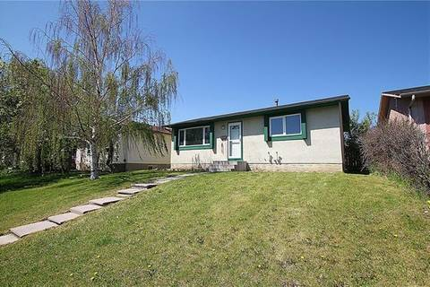 House for sale at 804 Pinecliff Dr Northeast Calgary Alberta - MLS: C4247990