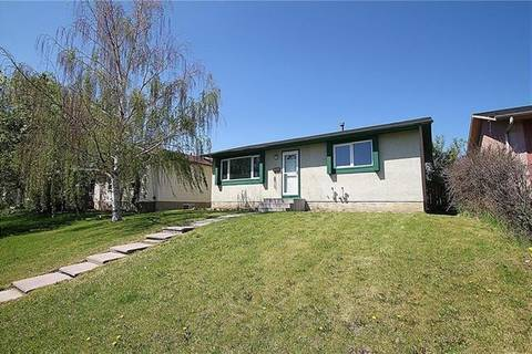 House for sale at 804 Pinecliff Dr Northeast Calgary Alberta - MLS: C4272745