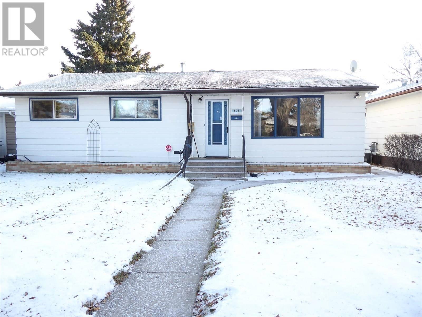 House for sale at 804 T Ave N Saskatoon Saskatchewan - MLS: SK792891