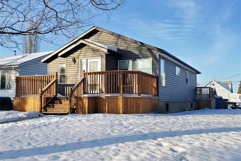 House for sale at 805 West St Melfort Saskatchewan - MLS: SK793916
