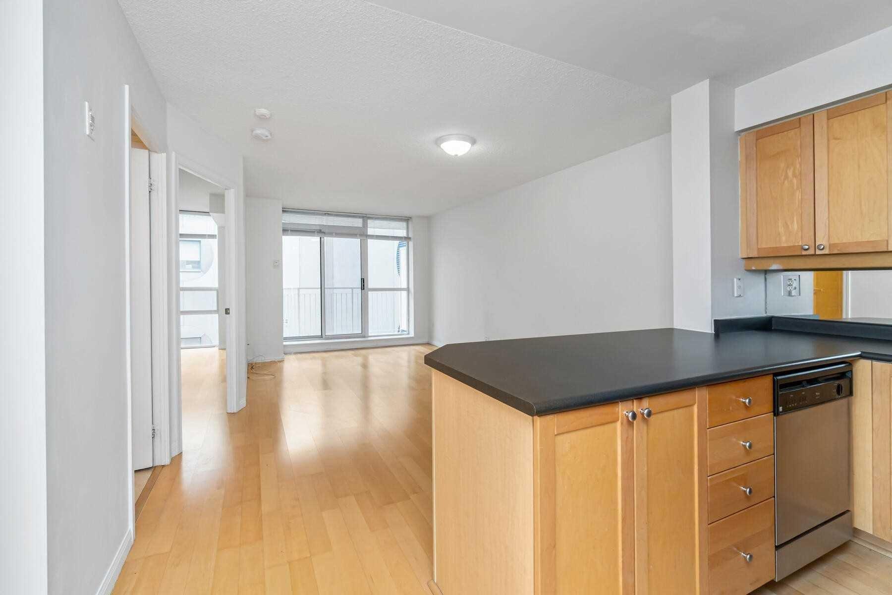 Apartment for rent at 18 Stafford St Unit 806 Toronto Ontario - MLS: C4996952