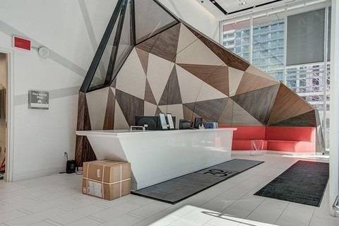 Apartment for rent at 30 Roehampton Ave Unit 806 Toronto Ontario - MLS: C4520922