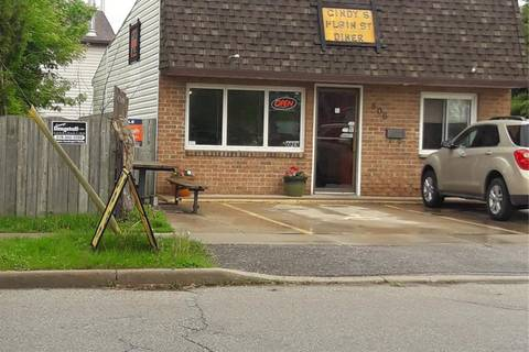 Commercial property for sale at 806 Elgin St Wallaceburg Ontario - MLS: 19012733