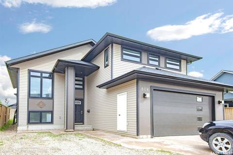 House for sale at 806 Muzyka Rd Saskatoon Saskatchewan - MLS: SK789212