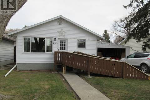 House for sale at 806 W Ave N Saskatoon Saskatchewan - MLS: SK767896