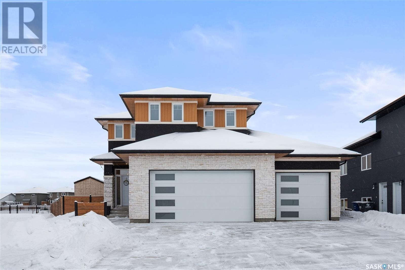 House for sale at 806 Werschner Ct Saskatoon Saskatchewan - MLS: SK839330