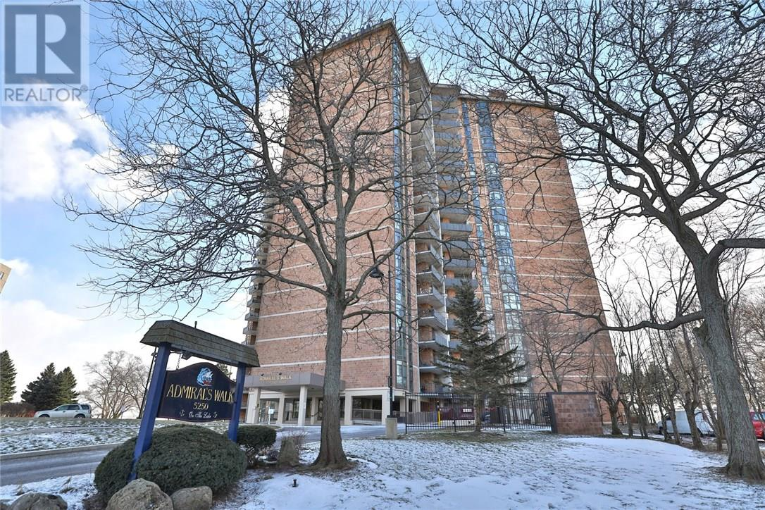 Buliding: 5250 Lakeshore Road, Burlington, ON