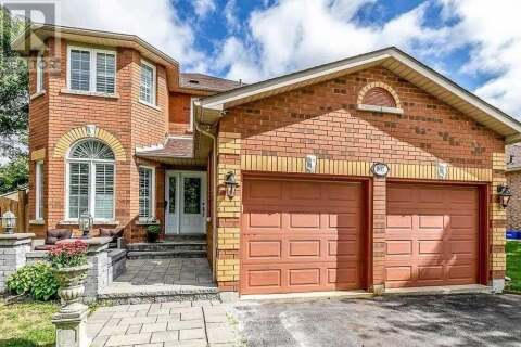 House for sale at 807 College Manor Dr Newmarket Ontario - MLS: N4925274