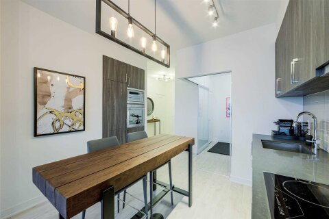Apartment for rent at 27 Bathurst St Unit 808 Toronto Ontario - MLS: C5001647