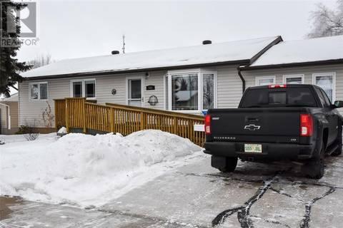 House for sale at 808 Hastings Pl Estevan Saskatchewan - MLS: SK797598