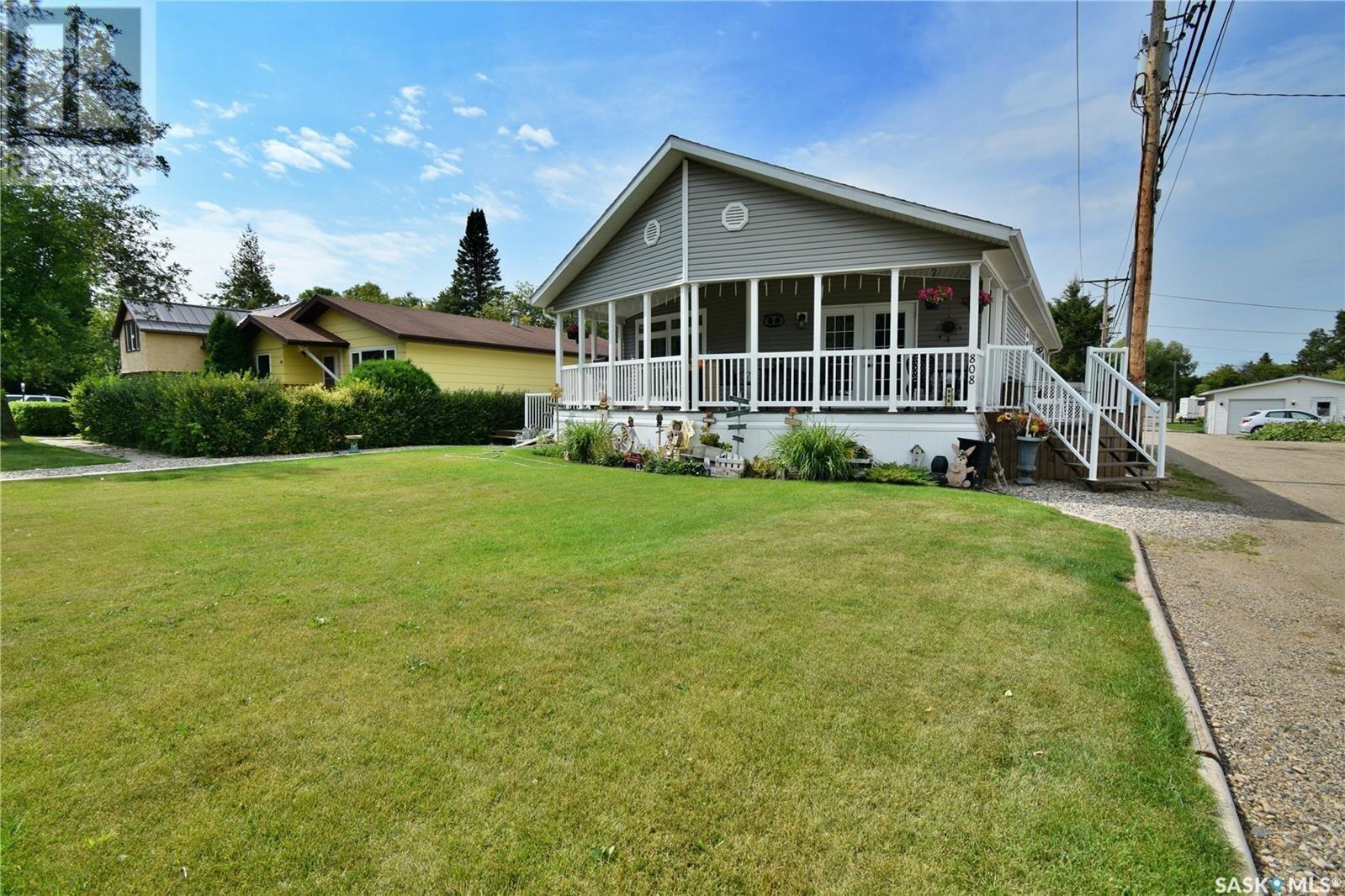 Residential property for sale at 808 Moose St Moosomin Saskatchewan - MLS: SK823883
