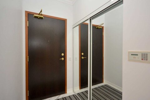 Condo for sale at 1 Belvedere Ct Unit 809 Brampton Ontario - MLS: W5053336