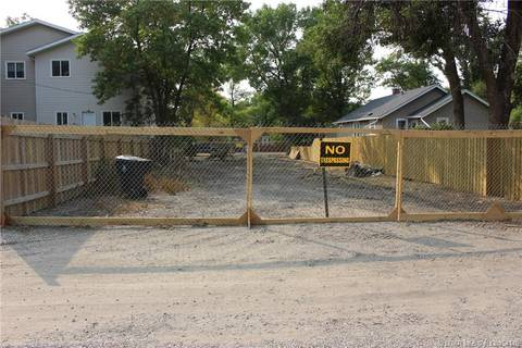 Home for sale at 809 12b St N Lethbridge Alberta - MLS: LD0154148