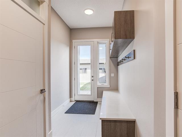 For Sale: 809 20a Avenue Northeast, Calgary, AB | 5 Bed, 3 Bath House for $1,179,000. See 19 photos!