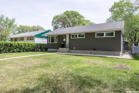House for sale at 809 Grace St Regina Saskatchewan - MLS: SK775671