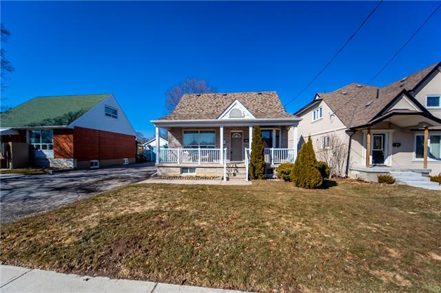 For Sale: 81 Barrhead Crescent, Toronto, ON | 3 Bed, 2 Bath House for $734,800. See 14 photos!