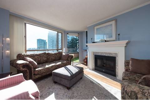 Condo for sale at 15111 Russell Ave Unit 810 White Rock British Columbia - MLS: R2354597