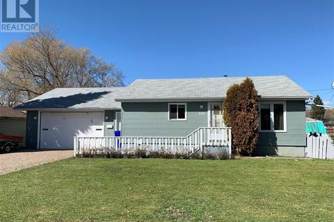 House for sale at 810 3rd St E Prince Albert Saskatchewan - MLS: SK771837