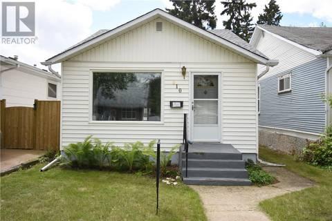 House for sale at 810 6th St E Saskatoon Saskatchewan - MLS: SK777828