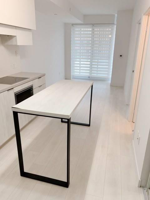 Apartment for rent at 8 Eglinton Ave Unit 810 Toronto Ontario - MLS: C4736750