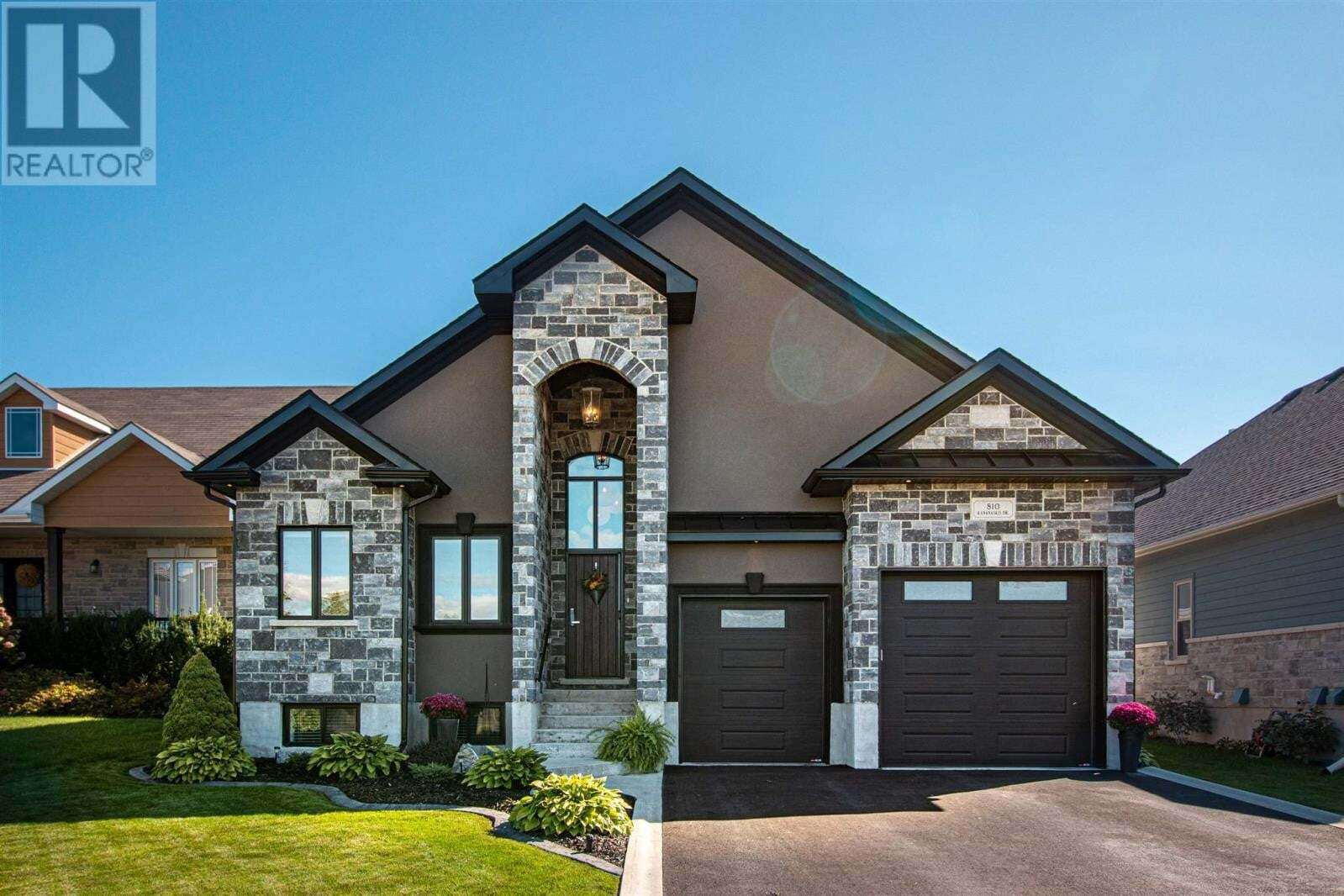 House for sale at 810 Kananaskis Dr Kingston Ontario - MLS: K20005713