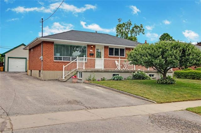 Sold: 810 Myers Street, Oshawa, ON
