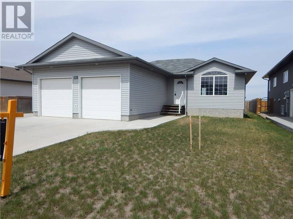 House for sale at 811 Johnson Dr Weyburn Saskatchewan - MLS: SK763629