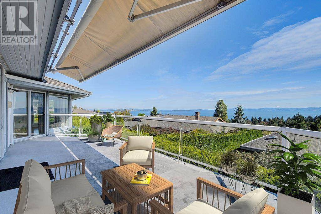 House for sale at 811 Sea Ridge Pl Victoria British Columbia - MLS: 423284