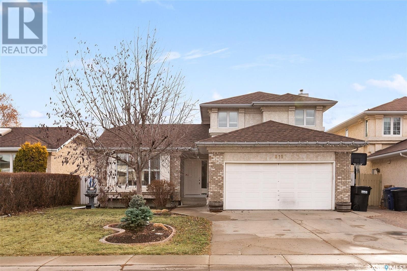 House for sale at 811 Steiger Cres Saskatoon Saskatchewan - MLS: SK834186