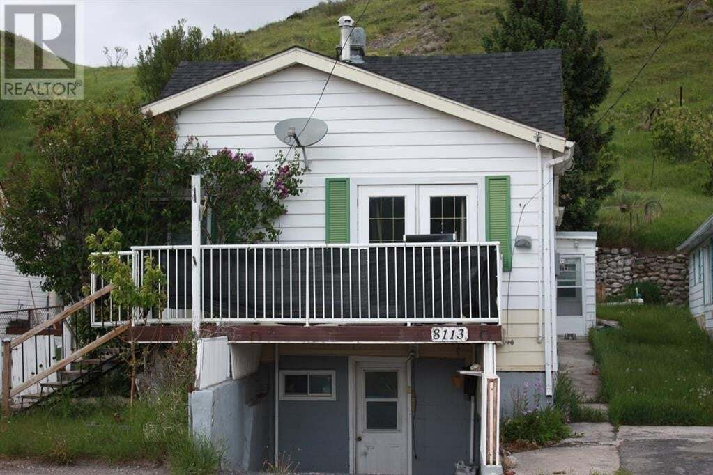 House for sale at 8113 16 Ave Rural Crowsnest Pass Alberta - MLS: A1008066