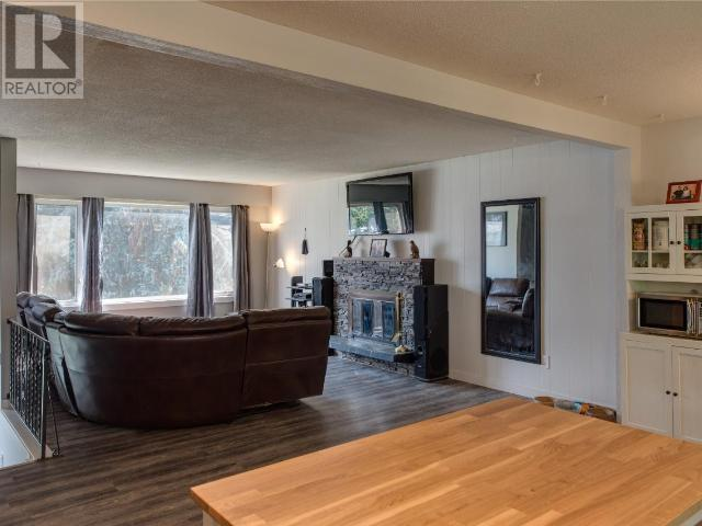 For Sale: 812 Puhallo Drive, Kamloops, BC   5 Bed, 2 Bath House for $449,900. See 34 photos!