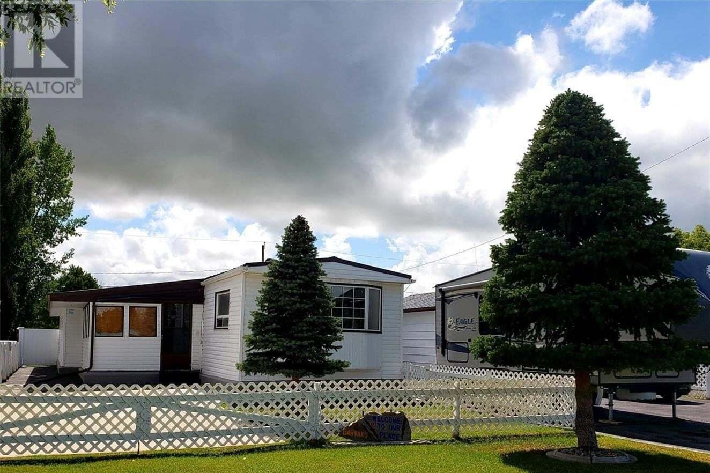 Residential property for sale at 813 Gonczy Ave Esterhazy Saskatchewan - MLS: SK821648